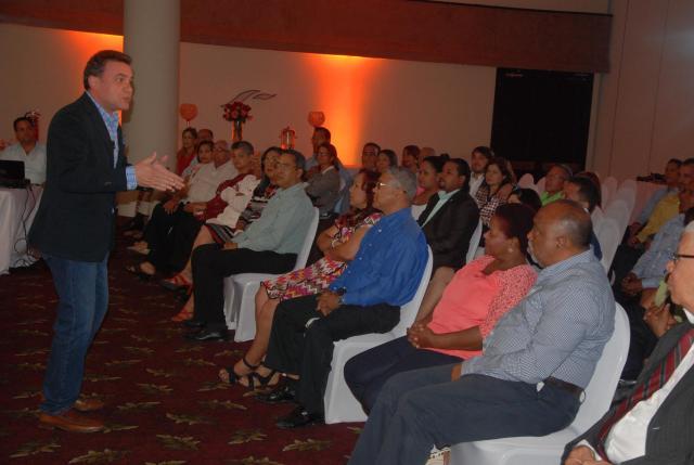PAREJAS HOY.  CRISTHIAN BURGOS. HABLA. EL NACIONAL, JOSELITO PEÑA. 26-02-15